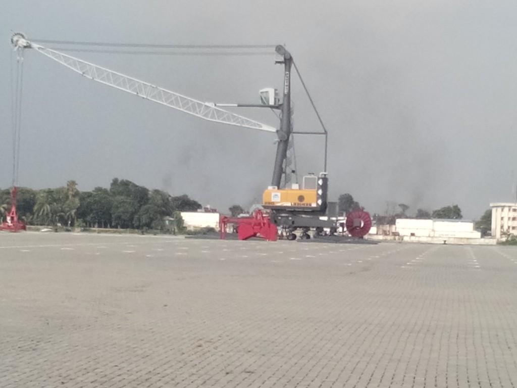 Mobile Harbour Crane-2